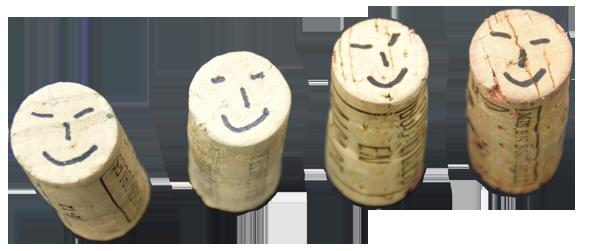 Photo de bouchons souriants qui identifient l'équipe de la société Mossiat